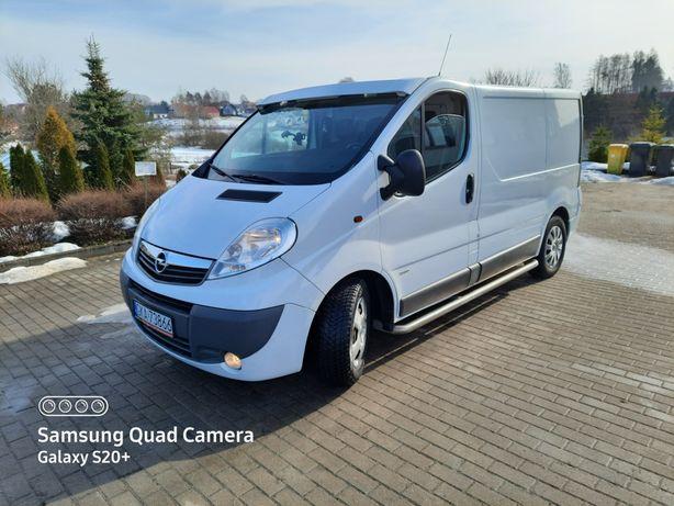 Opel Vivaro 2,5 CDTI 2009r. ,hak
