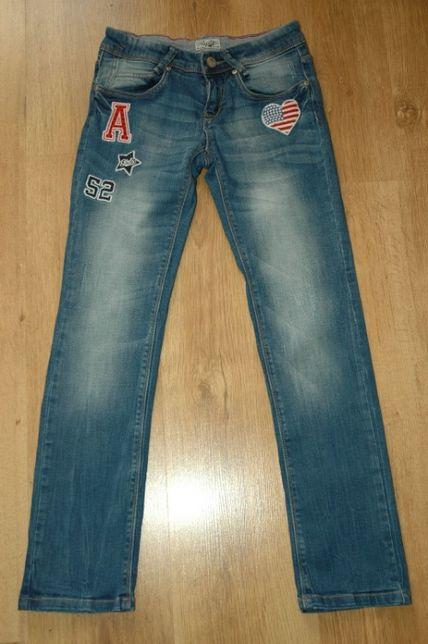 C&A Palomino dżinsy jeans z naszywkami USA r.146