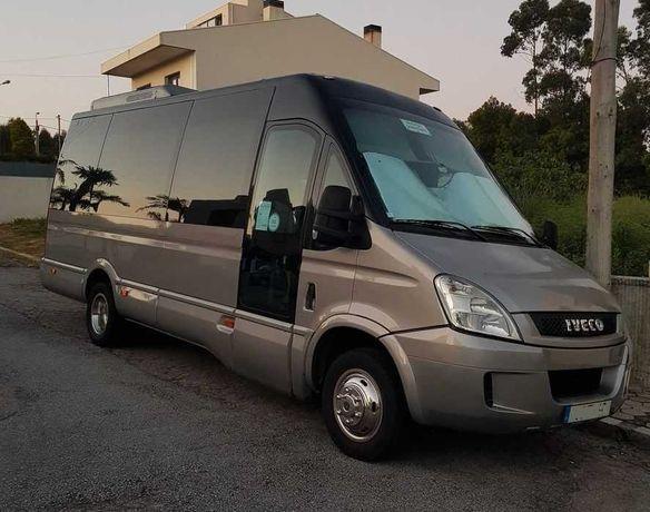Minibus Iveco 50C18