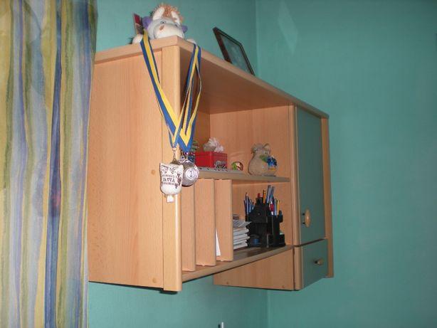 Мебель для школьника (шкаф, стол-тумба, полка-тумба, кровать + матрас)