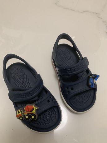 Crocs sandalki z zapinkami C6 22-23