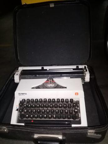 Maquina de escrever como nova
