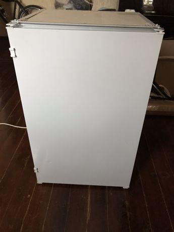Холодильник встройка Indesit из Германии