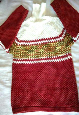 Теплый длинный свитер на девочку