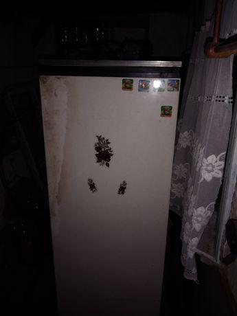 Продам холодильник в робочому стані