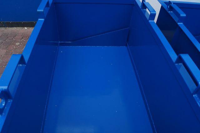 Przydatny w każdej firmie kontener z klapowym dnem PMD 1300 L