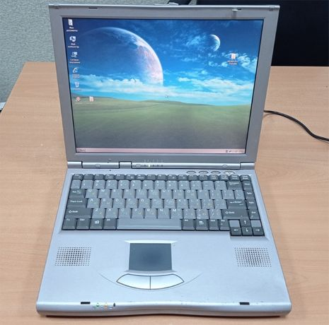 "Раритетный ноутбук МКС 2200Т 13.3"" Celeron 1000MHz/512MB/20GB"