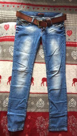 Женские джинсы с ремнём 29 размера