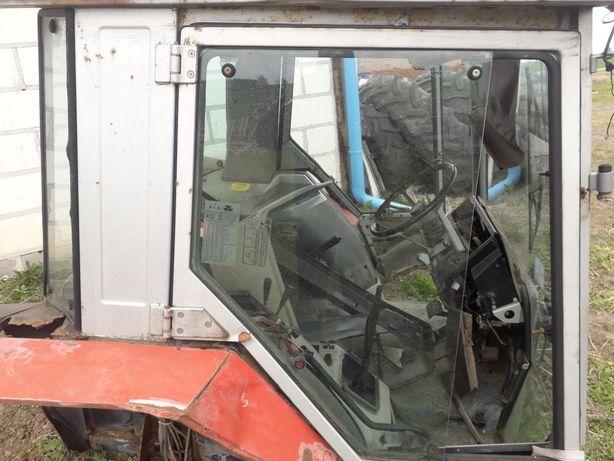 Kabina Massey Ferguson 3050 ,36 90 części, szyby ,drzwi