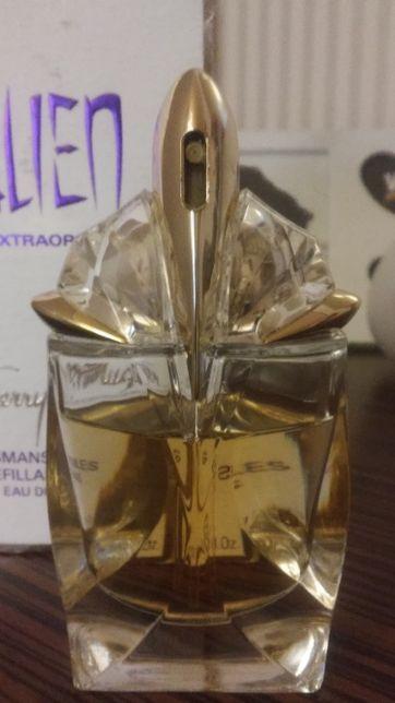Mugler alien eau extraordinaire the refillable talismans