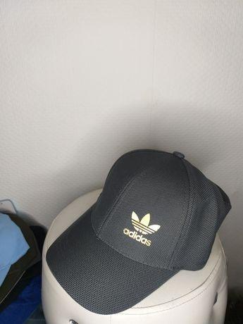 Nowa czapka z daszkiem Aadias
