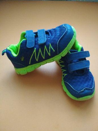 Тканевые кроссовки 23 размер