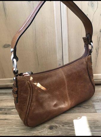 Кожаная сумка багет Marks&Spencer