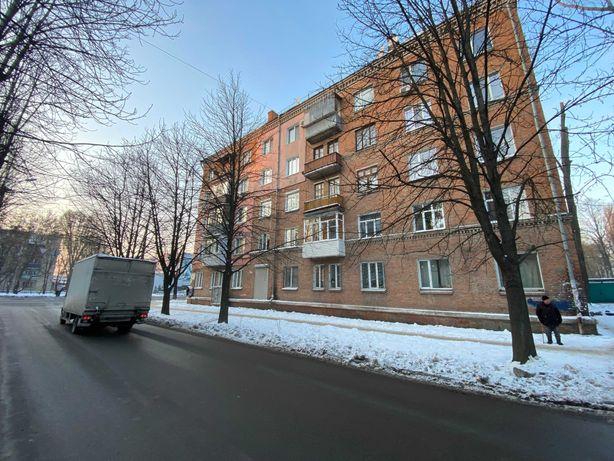 Продам квартиру сталинка ж/м 12 квартал , ул. Героев Сталинграда.