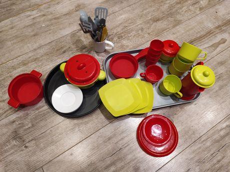 Plastikowe naczynia