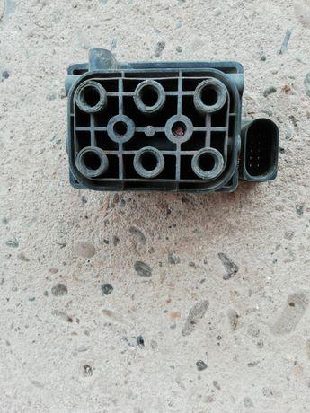 Продам блок клапанів до ауді а6 аллроад