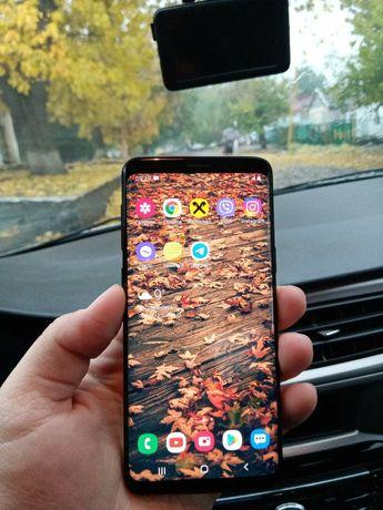 Samsung Galaxy s9 в идеальном состоянии.