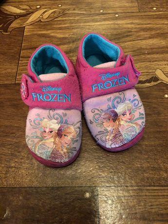 Детская обувка на 2-4 года