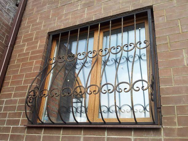 Изготовим любые кованые решётки для окон и дверей.