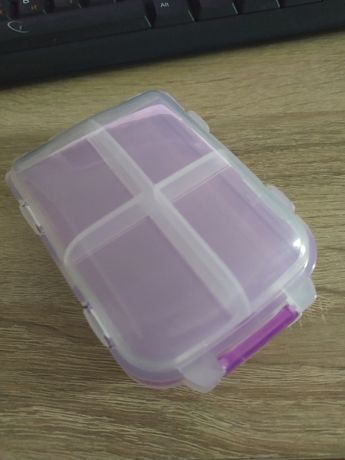 Шкатулка пластикова для прикрас