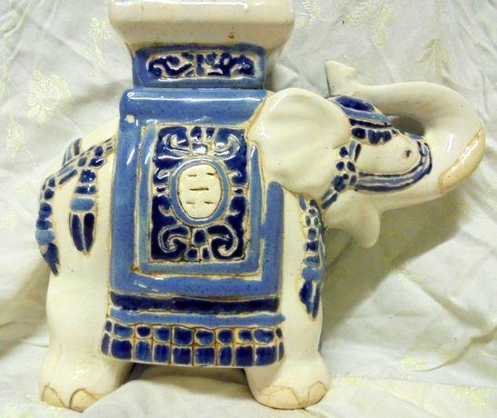 Porcelanowy słoń - kwietnik