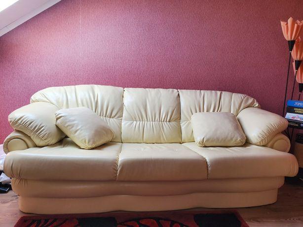 диван(розкладний) і два крісла