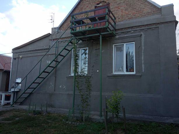 Благоустроенный небольшой дом,10 соток,Запорожье,Верхняя Хортица