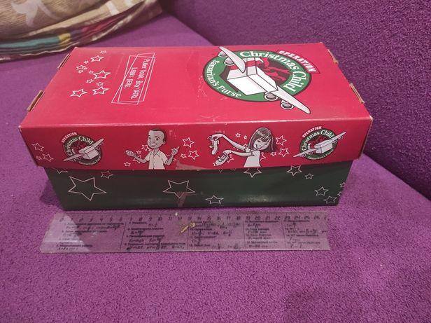 Большая коробка с одеждой для беби бона
