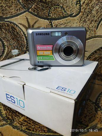 Цифровий фотоапарат Samsung