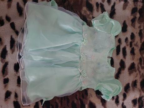 Нарядное платье на девочку от 1года