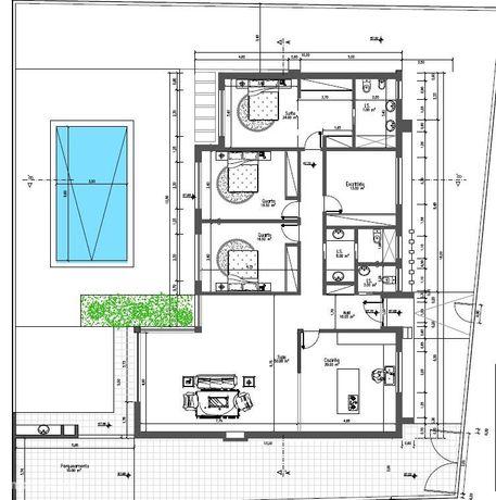 Moradia isolada, térrea de cinco assoalhas com piscina e garagem