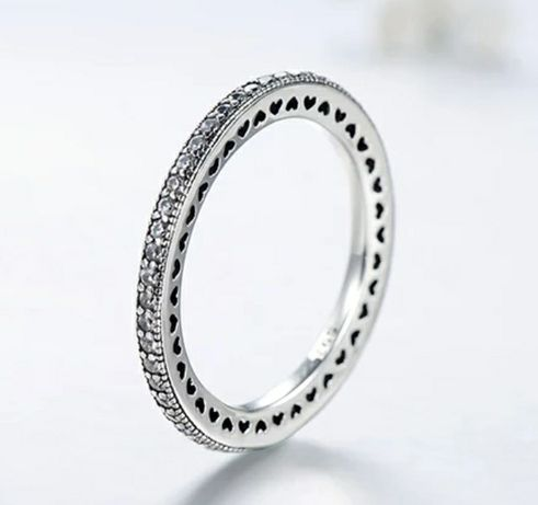 Серебряное кольцо Сердца Пандора с фианитами