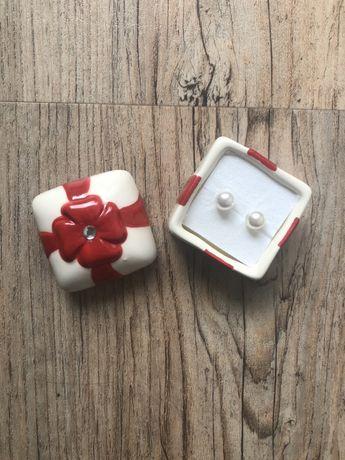 Kolczyki perelki posrebrzane Avon ozdobna mini szkatuła prezent