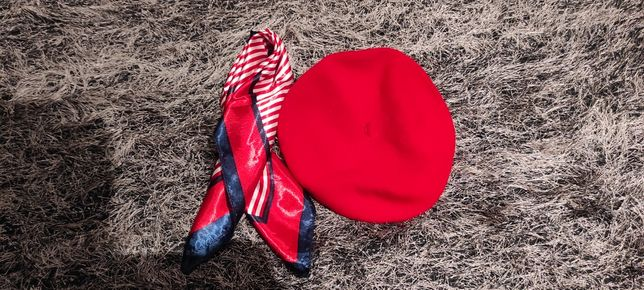 Boina vermelha + lenço