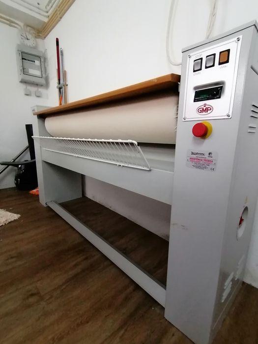 Aluguer Calandra máquina de passar roupa / Engomadoria /Self-service Arroios - imagem 1
