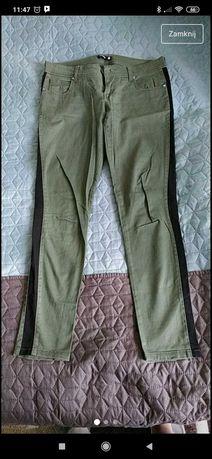 Spodnie z lampasem M