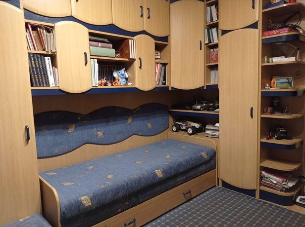 Komplet mebli - łóżko, biurko, szafa, szafki, półka