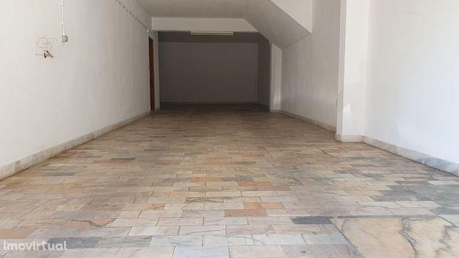 Garagem/armazém 70m2 Agualva-Cacém