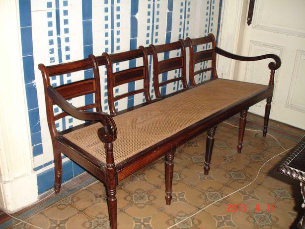 Canapé em Pau Santo