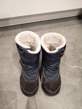 Trzy pary Kozaki sniegowce puma 27 adidas 28 i reserved 27