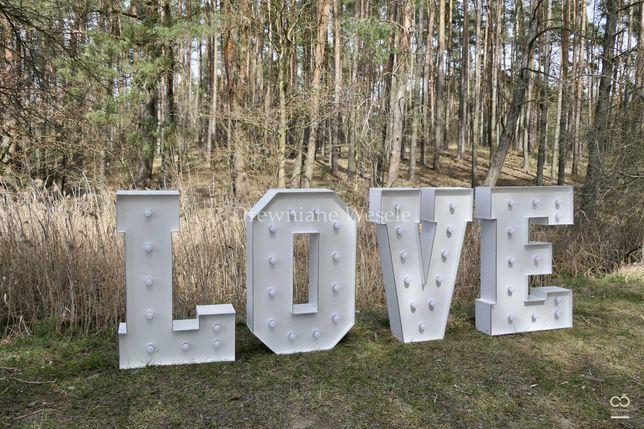 Biały, oświetalny napis LOVE!