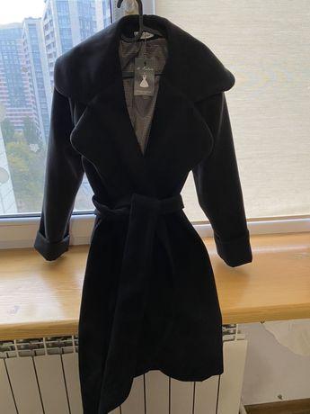 Пальто черное на подкладке