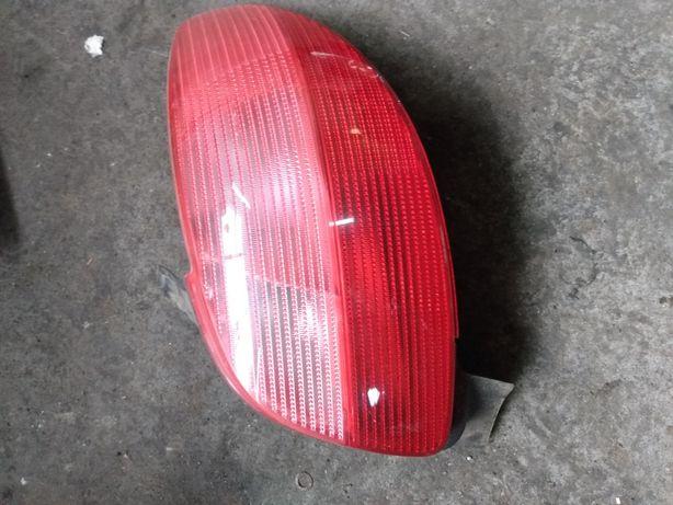 Lampa tylna prawa Peugeot 206