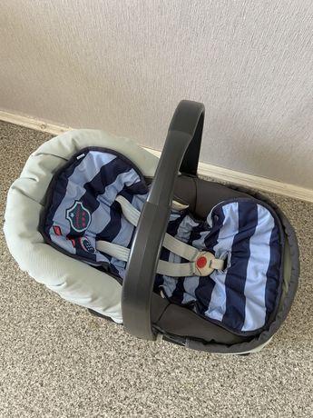Детское автокресло Peg-Perego E13 с базой (автолюлька) 0-13 кг (0+)