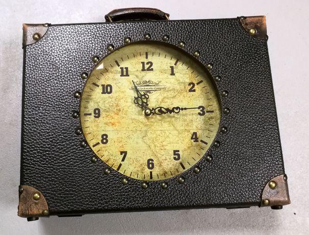Oryginalny zegar walizka przywieziony z USA