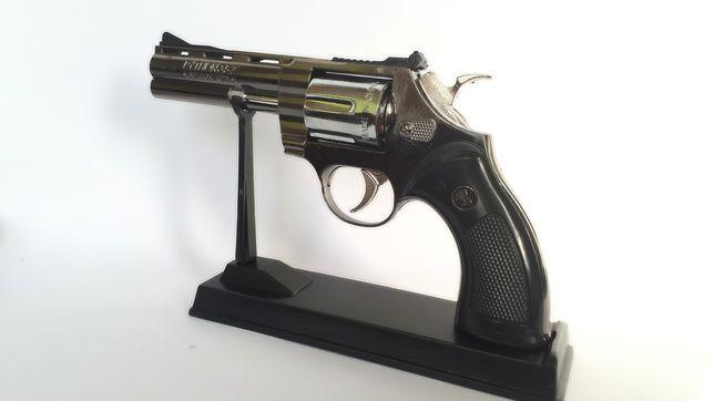 Зажигалка револьвер пистолет на подставке Python питон