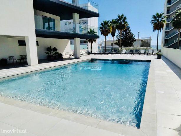 Apartamento T2 novo de luxo com piscina equipado e mobilado situado no