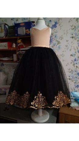 Платье на выпуск или праздник