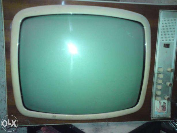 stary telewizor unitra