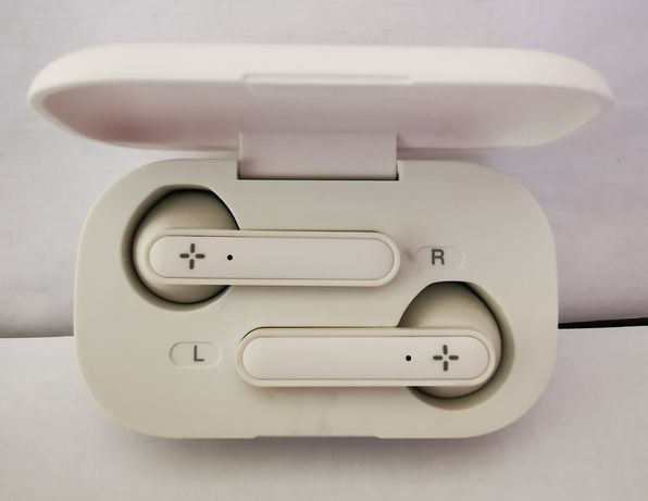 Earbuds ploos wireless